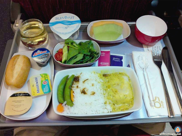 Flight food airline meals twenty twice for Air thai cuisine